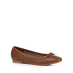 Mantaray - Tan 'Maria' flat shoes
