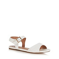 Mantaray - White basketweave pin buckle sandals