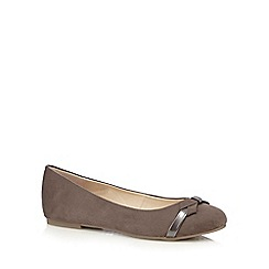 Good for the Sole - Brown bow applique wide fit slip-on shoes