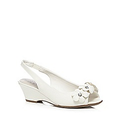 Good for the Sole - White flower wide fit wedge sandals