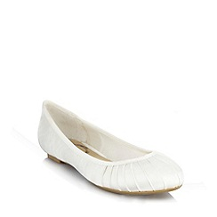Debut - Ivory satin pleated pumps