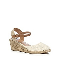 Mantaray - Cream closed wedge sandals