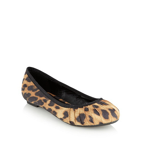 Red Herring - Tan leopard spotted pumps