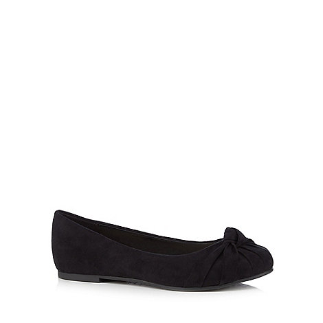Good for the Sole - Black wide fit pumps
