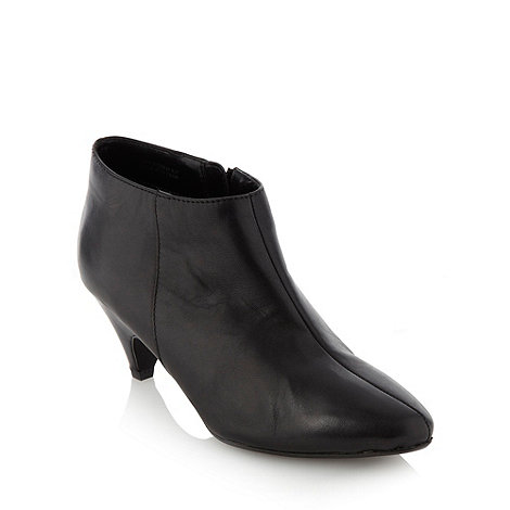 Collection Good for the Sole - Black wider fit wider fit pointed mid heeled ankle boots