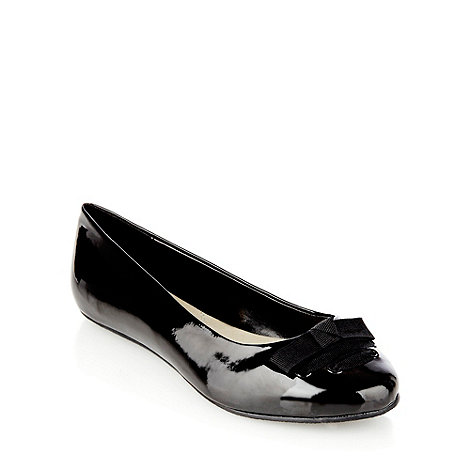 Good for the Sole - Black wide fit laced bow patent pumps