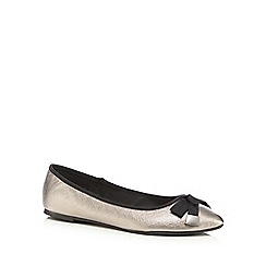 Red Herring - Silver textured bow applique slip-on shoes