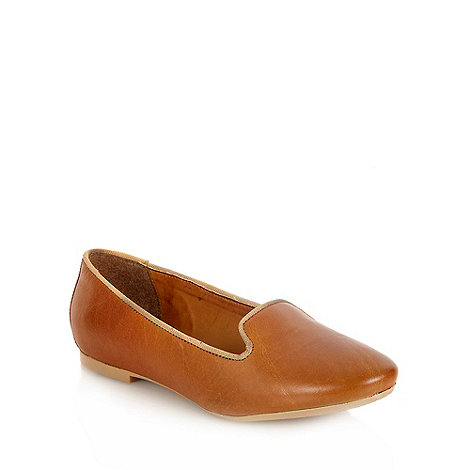 Betty Jackson.Black - Tan leather round toe pumps