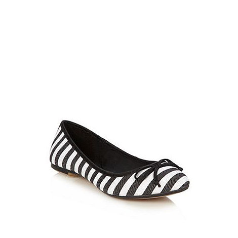 Red Herring - Black striped pointed toe pumps