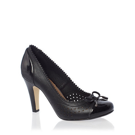 Good for the Sole - Black scalloped wide fit heeled court shoes