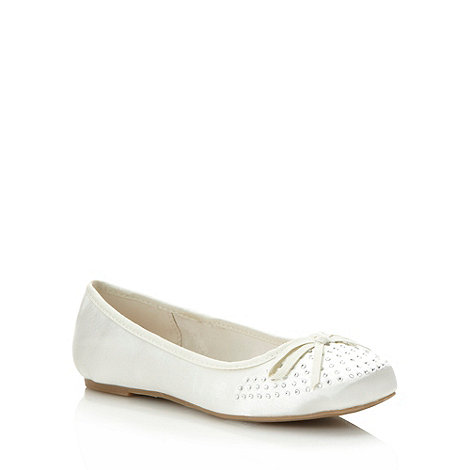Debut - Ivory satin diamante toe pumps