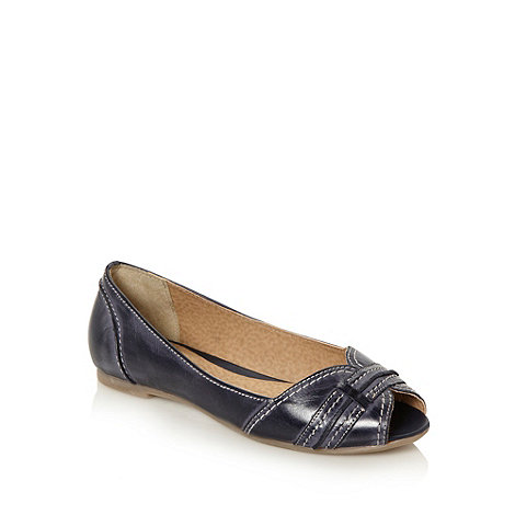 Mantaray - Navy top stitched strap detail pumps - size 3