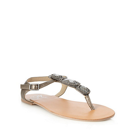 Mantaray - Metallic faceted stone t-bar sandals