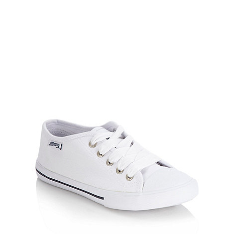Mantaray - White lace up canvas trainers