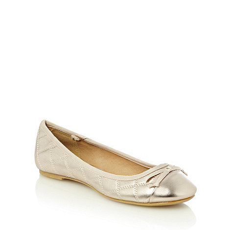 The Collection - Light gold quilted bow pumps