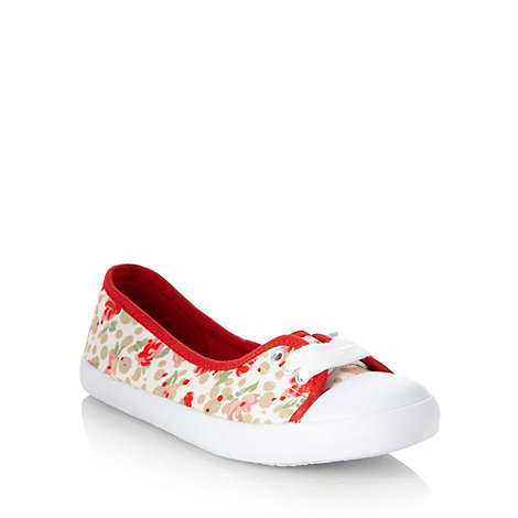 Mantaray - Red floral pumps