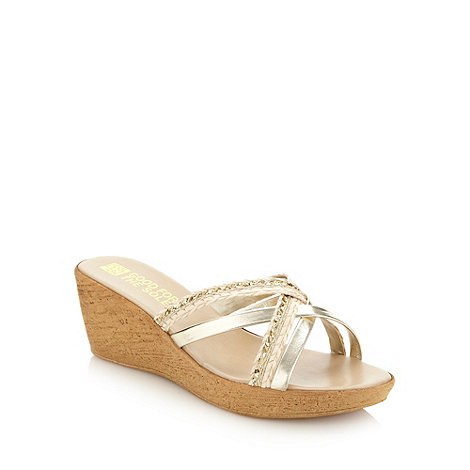 Good for the Sole - Beige plaited wide fit mid heel sandals