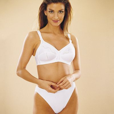 White Doreen non-wired DD+ cup bra