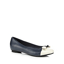 Principles by Ben de Lisi - Navy bow pumps