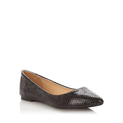 Butterfly by Matthew Williamson - Designer black faux snakeskin patent pumps