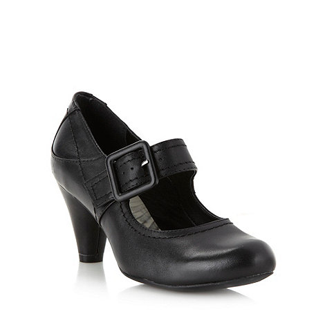 Clarks - Black leather heeled shoes