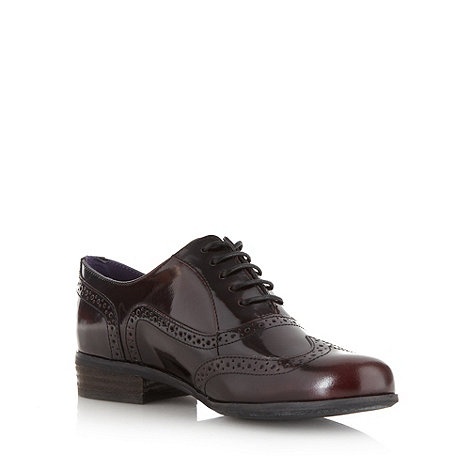 Clarks - Wine 'hamble oak' brogues