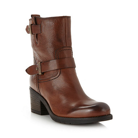 Clarks - Tan heeled ankle boots