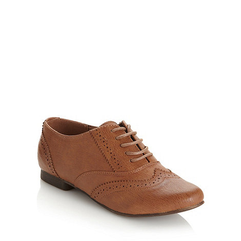 Call It Spring - Tan +Sorvagur+ low heel brogue shoes