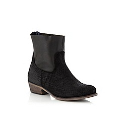 Call It Spring - Black leather 'Bendova' low ankle boots