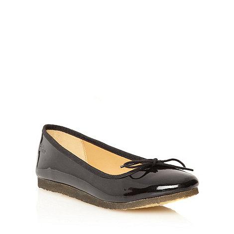 Clarks - Black patent leather +Lia Jive+ pumps