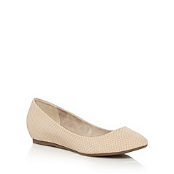 Call It Spring - Natural 'Janvrin' snakeskin textured pumps