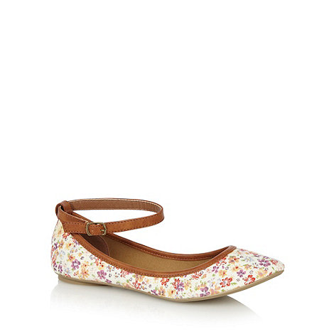 Call It Spring - Tan +Lewisporte+ floral ballet pumps