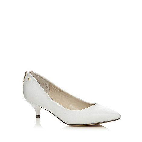 Kitten Heel White Shoes | Tsaa Heel