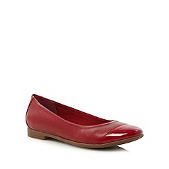 Clarks - Red 'Atomic Haze' pumps