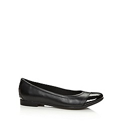 Clarks - Black 'Atomic Haze' patent leather pumps