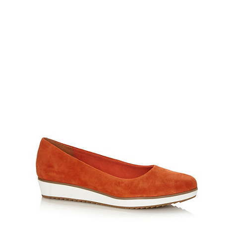 Clarks - Orange +Compass Zone+ suede leather pumps