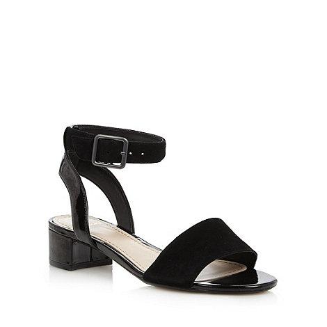 Clarks - Black +Sharna Balcony+ mid sandals