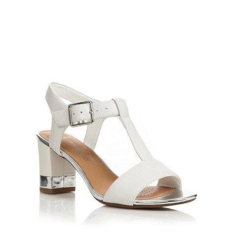 Clarks - White +Smart Deva+ mid sandals