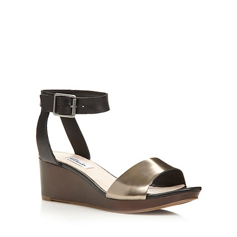 Clarks - Black +Ornate Jewel+ mid wedges