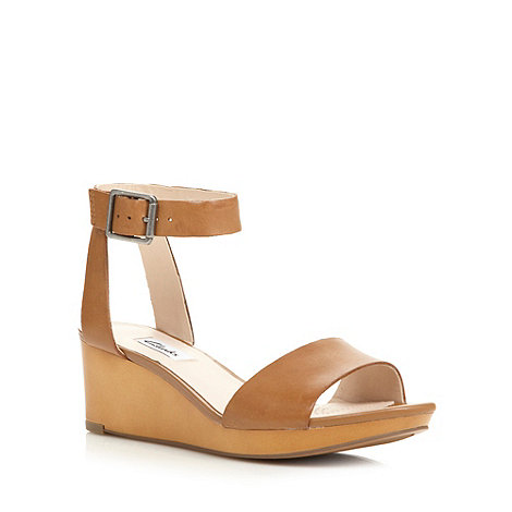 Clarks - Tan +Ornate Jewel+ mid wedges