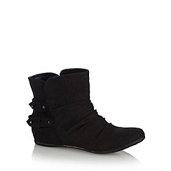 Call It Spring - Black 'Girang' suedette boots