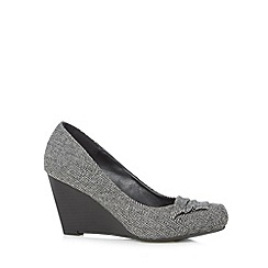 Call It Spring - Grey 'Deriva' herringbone mid wedge court shoes