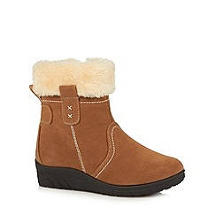 Cushion Walk - Tan fur cuff mid ankle boots