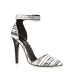 Call It Spring - White 'Yadoven' high court shoes