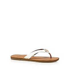 Call It Spring - White 'Cherallan' flip flops