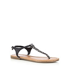 Call It Spring - Black 'Lovenawen' toe post sandals