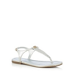 Call It Spring - Silver 'Lovenawen' toe post sandals