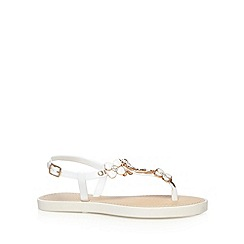 Call It Spring - White 'Eloanna' sandals