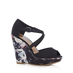Call It Spring - Black 'Cheasien' high wedge sandals
