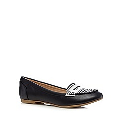Call It Spring - Black 'Hearrell' striped pumps